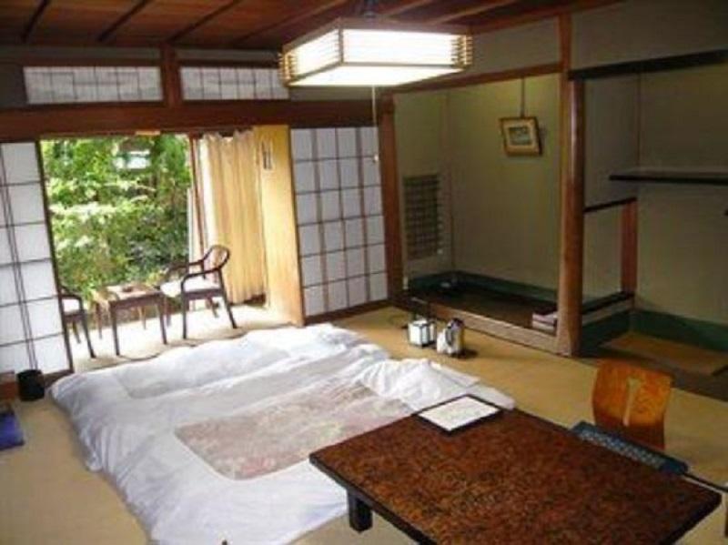 room in Seikiro